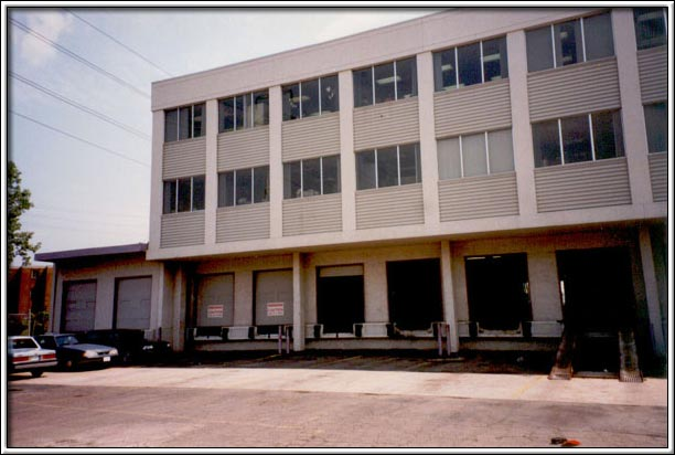 College Commercial Center 2970 College Ave, Windsor, Ontario
